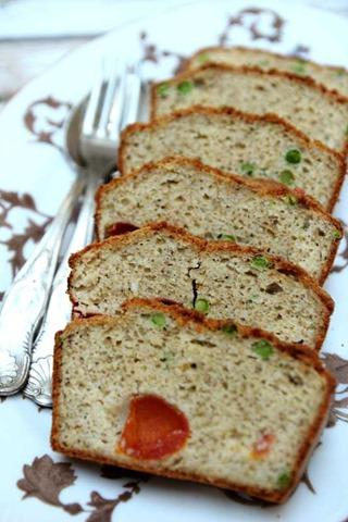 Cake aux petits pois tomates cerises